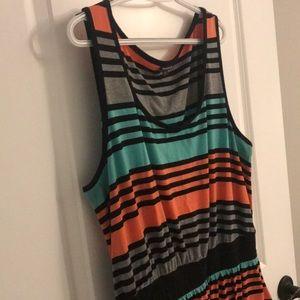 Cute midi dress w/ pockets!